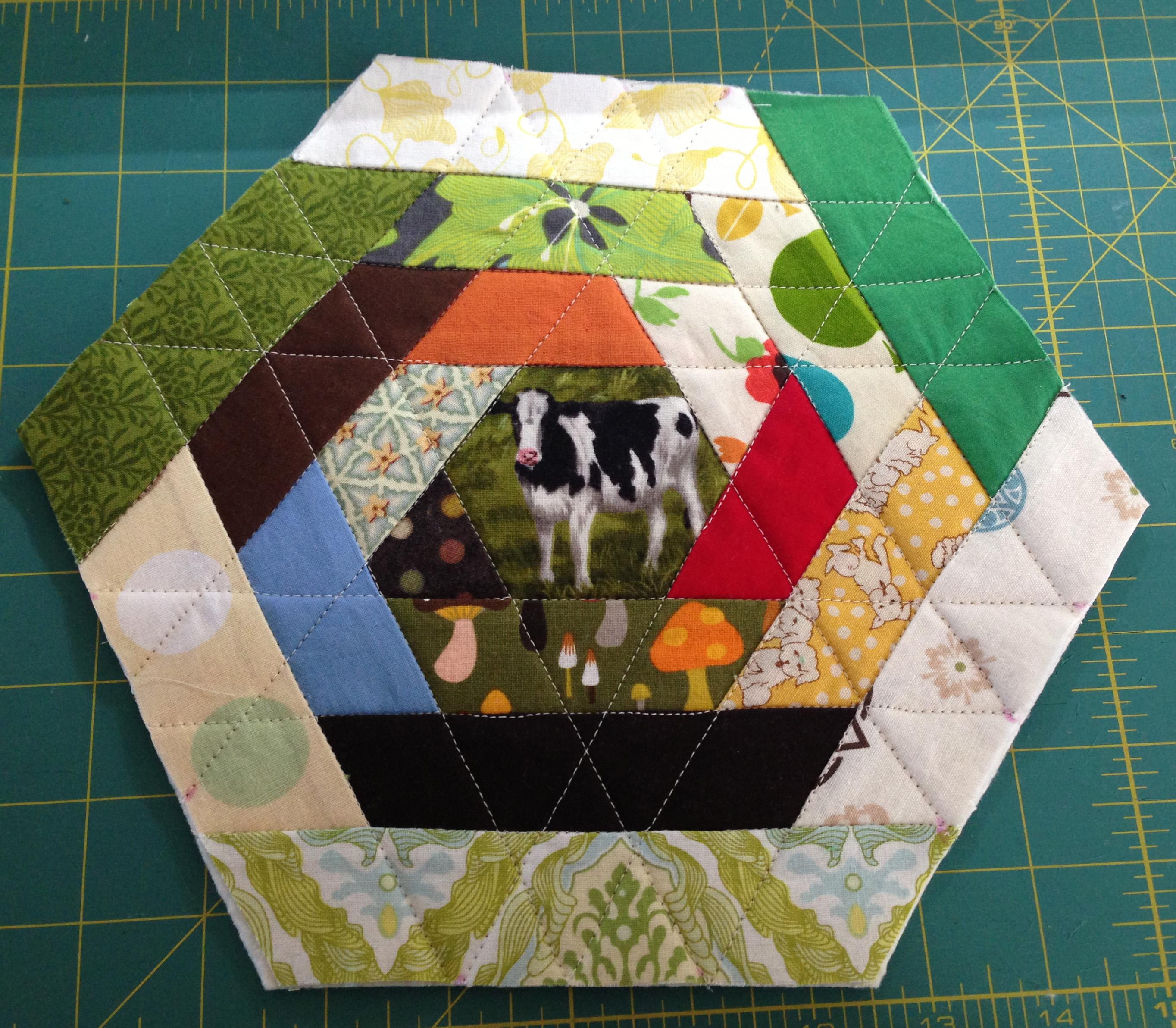 Hexagon Mug Rug Tutorial